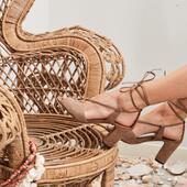 Qui a dit que c'était la fin de l'été ? ☀️ Nos dernières paires, en séries limitées et numérotées sont disponibles sur www.etreamis.fr . ♻️Pour limiter le gaspillage, nos chaussures sont fabriquées à partir de cuirs, talons et formes existants, upcyclés. Les quantités disponibles déterminent le nombre à produire, 👉🏻 pas de surproduction  . 👩🏼🎨Nos modèles sont dessinés par nous et sont des créations exclusives. . 🌳Nos ateliers familiaux sont des femmes et des hommes passionnés et passionnants.Leur savoir-faire garantit des articles aux finitions impeccables et durables. . Très belle journée et bon week-end ☀️ . . . _______________________ #sustainableshoes #ethicalfashion #slowlife #slowfashion #modeethique #etreamischaussures #upcyclingfashion #consciousfashion #shoes #footwear #sandales #nouvellemarque #upcycling #chaussuresaddict #chaussures #sandales #chaussuresfemme #editionlimitee #création #frenchdesign #cuir #faitàlamain #frenchbrand #faitmain #handmade