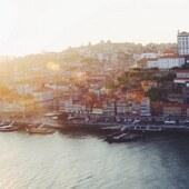 {Quelque chose se prépare} ⏳ On a hâte! Notre nouvelle collection arrive bientôt! Derniers bichonnages au Portugal et on vous les présente très prochainement!  Une préférence sur le coloris, cuir kaki ou noir&blanc? . . . __________________________ #chaussures #cuir #faitmainsavecamour #madeinportugal #passionchaussures #ethicallymade #nouvellecollection2020 #bottines #editionlimitee #chaussuresdujour #chelseaboots #handmadewithlove #chaussuresfemme #bottine #faitmain #handmade #bootslover #whomademyshoes #ecofriendlyshoes #portolovers #madeinportugal #pontedomluis #madeinportugalwithlove #marquefrançaise #etreamischaussures #etreamiscollections