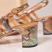 ♥️ «Les détails font la perfection, et la perfection n'est pas un détail» ℒ𝑒ơn𝒶𝑟𝑑 𝒟e 𝒱in𝒸𝒾  🔎Toutes nos chaussures sont réfléchies dans le moindre détail. Nous croyons que ce sont toutes les attentions à «ce qui ne se voit presque pas» qui font toute la différence pour une qualité, un style et un confort parfaits.  ☀️Pour vous en convaincre nos envois sont gratuits et les retours à notre charge.  🌷10% offerts sur votre première commande avec le code AMIS10  _______________ #détails #sandales #chaussuresfemme #faitalamain #chaussures #été #nouvellecollection2021 #chaussuresethiques #moderesponsable