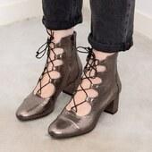 1, 2, 3 ou 4 ?  🌈Votre couleur favorite en commentaire 💌  ___________________ #chaussuresdujour #chaussuresfemme #boutiqueenligne #nouvellecollection2020 #boutiquechaussures #instaboots #instachaussures #etreamischaussures #chaussures #bottines #modeethique #ghillieshoes #moderesponsable #modecirculaire #cuir #laceupshoes #vintageinspiration #chaussuresaddict #lestyleàlafrançaise #passionchaussures #editionlimitee #newshoes #boots #shoesoftheday #chaussuresatalon #chaussuresvintage #frenchcancan #ankleboots #laceupshoes #marquefrançaise